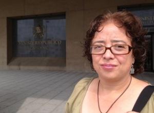 Cecilia Mérida en frente del MP.
