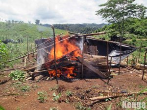 House burning in 9 de Febrero. (Photo: Konga)